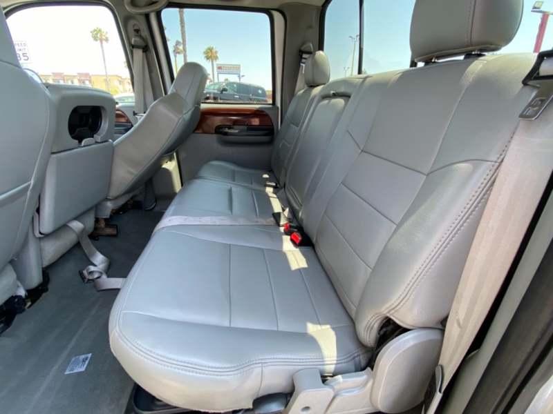 Ford Super Duty F-250 2006 price $16,988