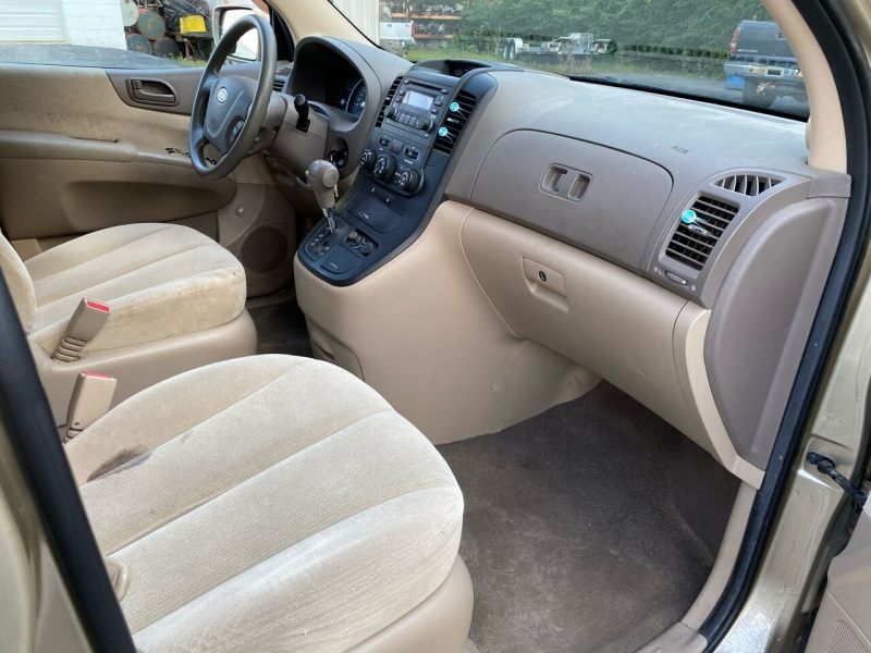 Kia Sedona 2008 price $4,499