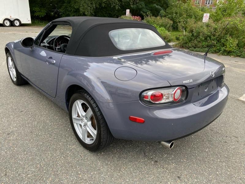 Mazda MX-5 Miata 2006 price $9,600