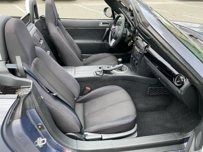 Mazda MX-5 Miata 2006 price $11,400