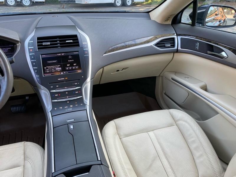 Lincoln MKZ Hybrid 2013 price $13,999