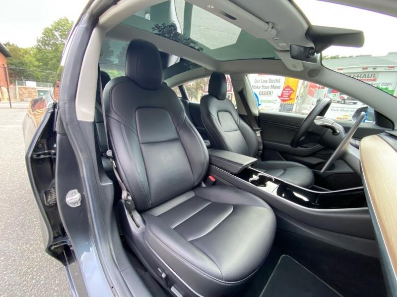 Tesla Model 3 2018 price $42,800