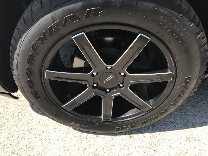 GMC Yukon 2011 price 2500.00 DOWN