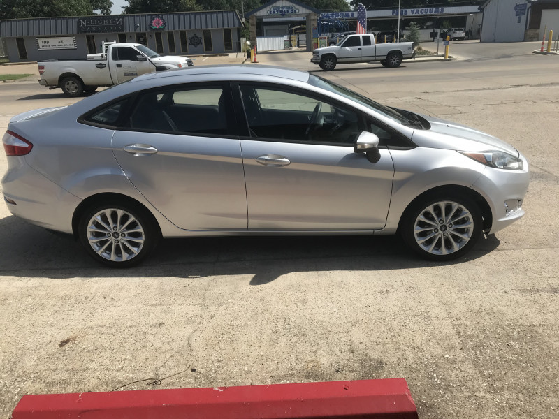 Ford Fiesta 2014 price 1200.00 DOWN