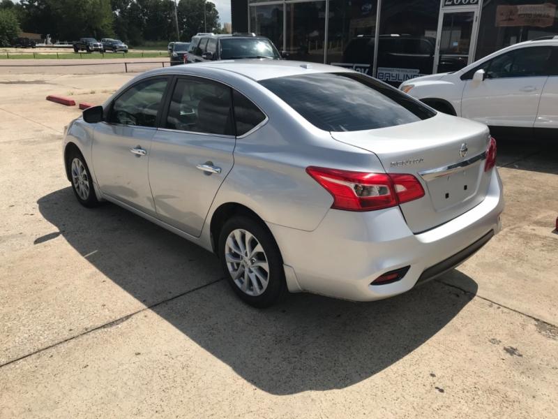 Nissan Sentra 2019 price $15,985