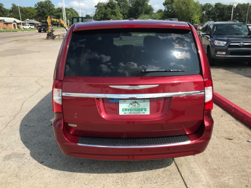 Chrysler Town & Country 2014 price 1600 DOWN