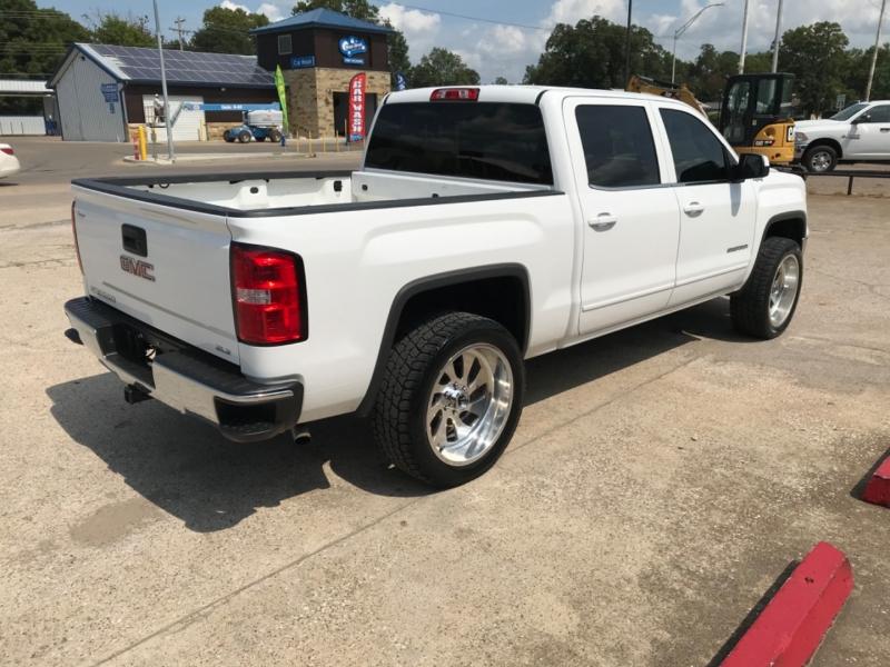 GMC Sierra 1500 2015 price $25,985