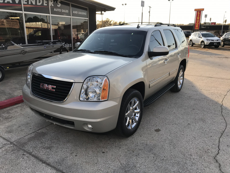 GMC Yukon 2013 price $17,485