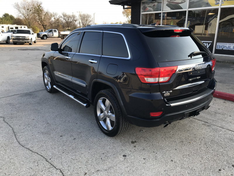 Jeep Grand Cherokee 2011 price $15,985