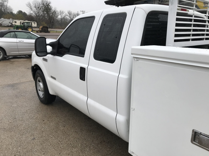 Ford Super Duty F-250 2006 price $11,985