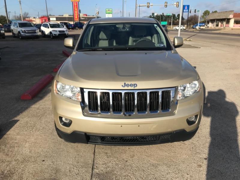 Jeep Grand Cherokee 2011 price $14,785