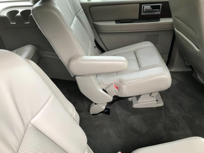 Lincoln Navigator 2012 price 2500.00 DOWN
