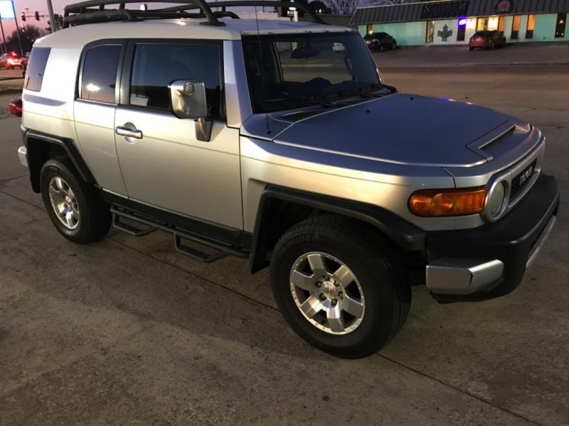 Toyota FJ Cruiser 2007 price $11,975