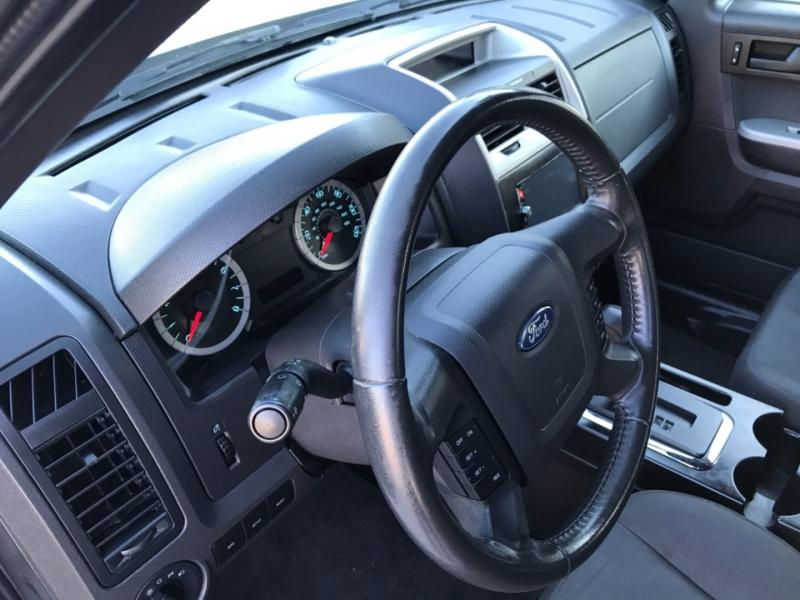 Ford Escape 2011 price 1200.00 DOWN
