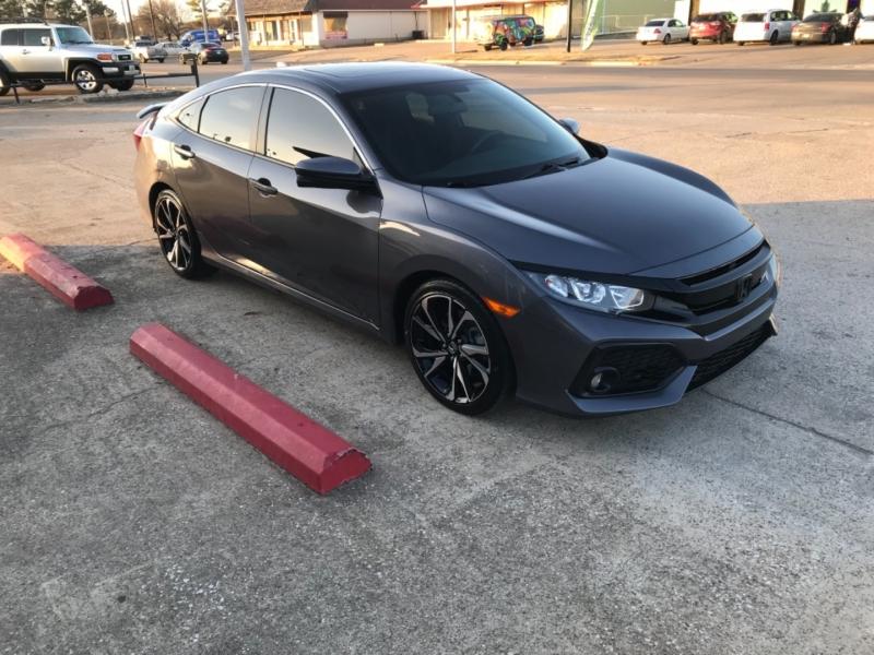 Honda Civic Sedan 2017 price $15,985