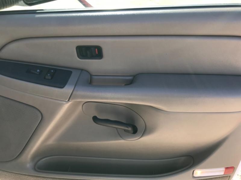 Chevrolet Silverado 2500HD 2005 price $15,895