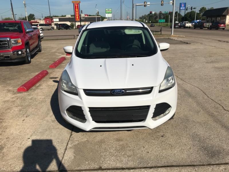 Ford Escape 2014 price 2500.00 DOWN