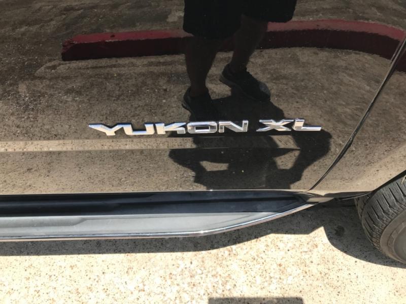GMC Yukon XL 2015 price $29,985