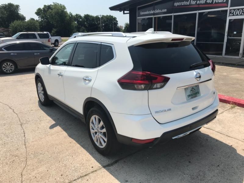 Nissan Rogue 2018 price $17,585