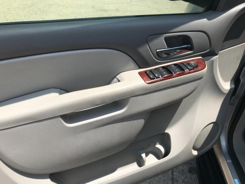 Chevrolet Tahoe 2011 price 1800.00 DOWN