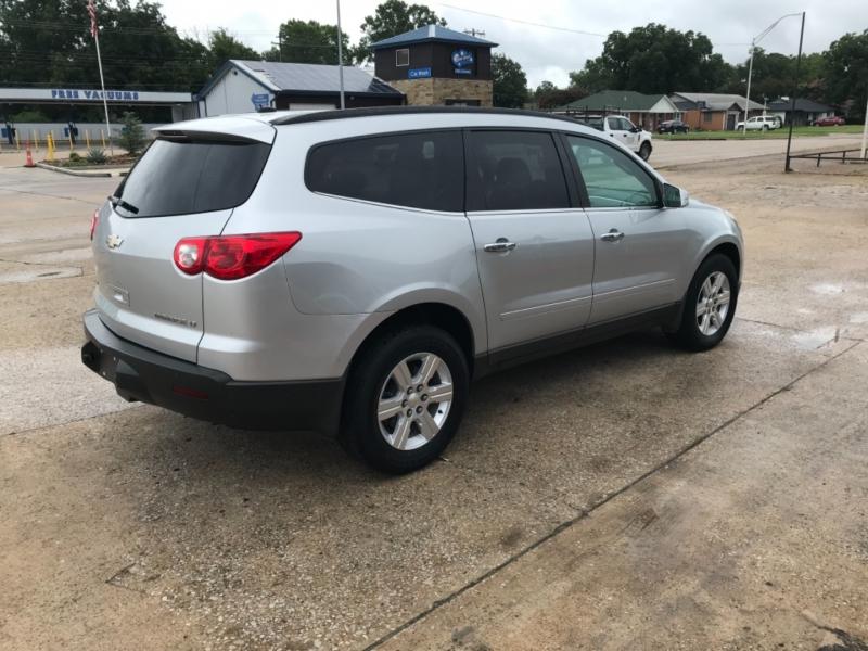 Chevrolet Traverse 2011 price 2200.00 DOWN