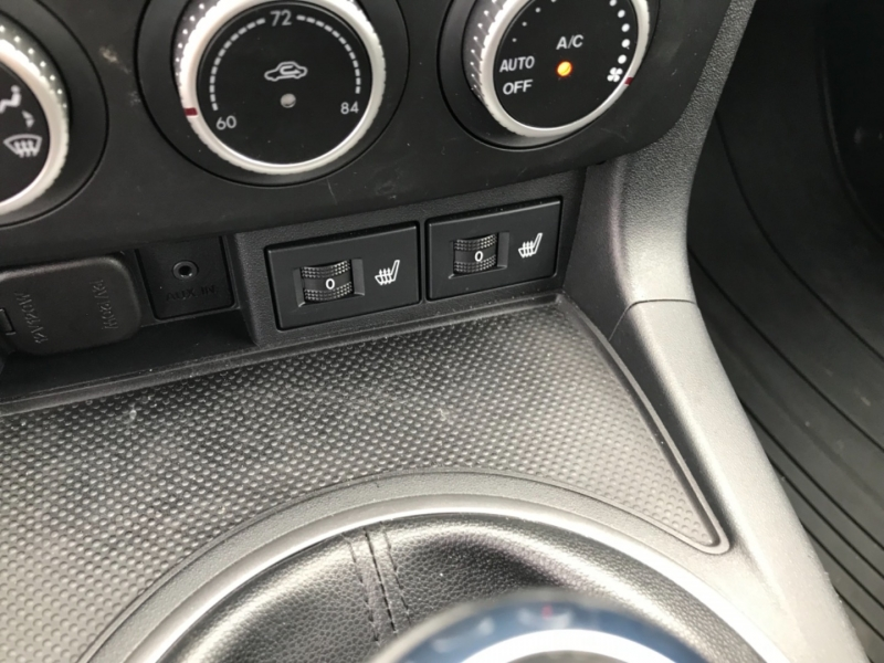 Mazda MX-5 Miata 2011 price $23,475