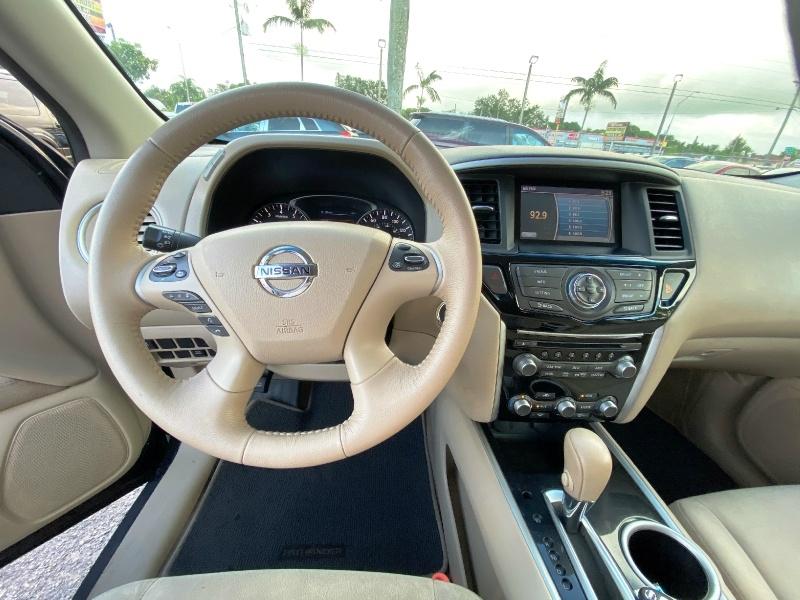 Nissan Pathfinder 2014 price $8,999