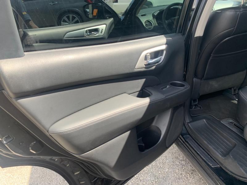 Nissan Pathfinder 2020 price $21,999