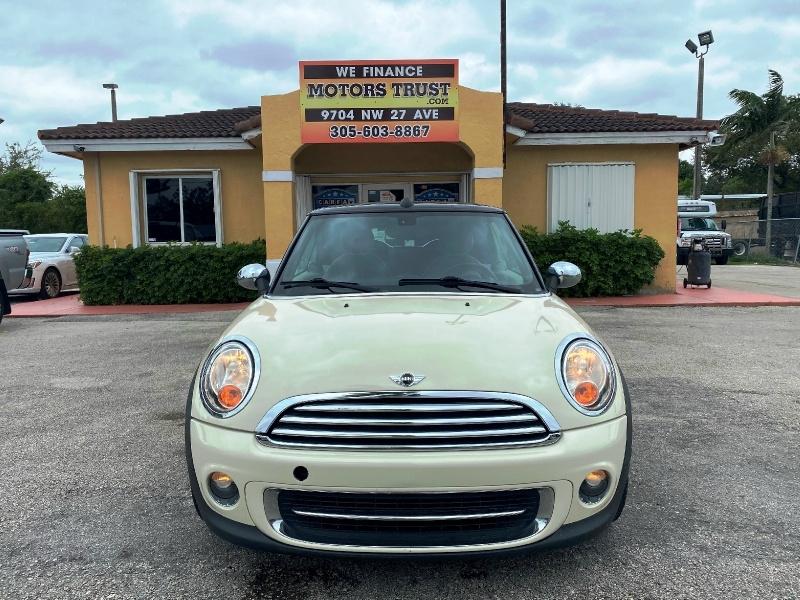Mini Cooper Convertible 2012 price $7,599