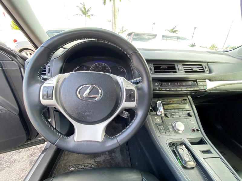 Lexus CT 200h 2013 price $7,999