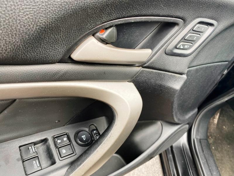 Honda Accord Cpe 2012 price $7,999