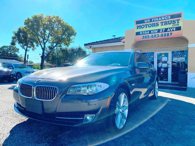 BMW 5-Series 2012 price $11,599