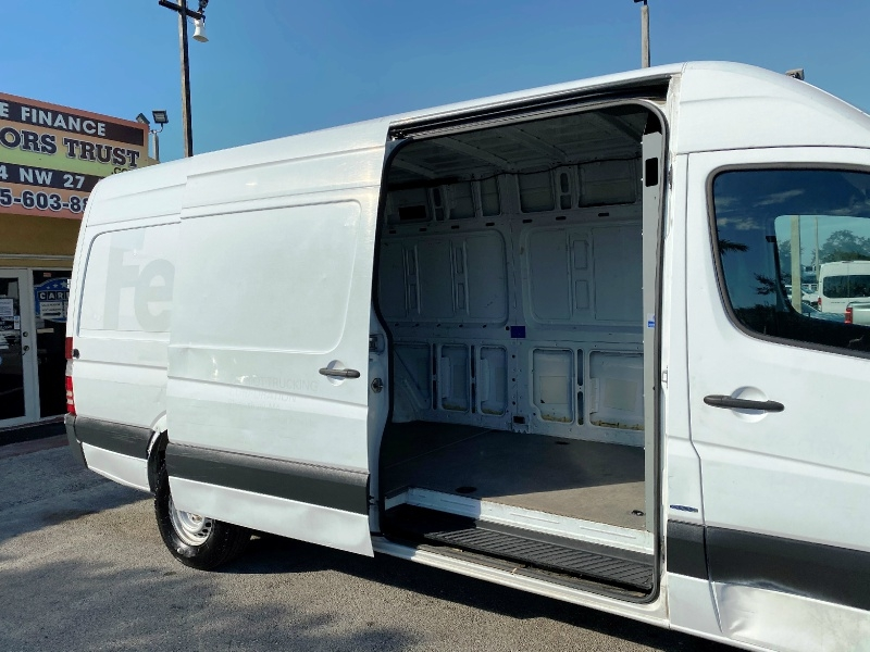 Mercedes-Benz Sprinter Cargo Vans 2015 price $19,999