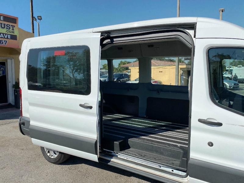 Ford Transit Wagon 2017 price $15,999