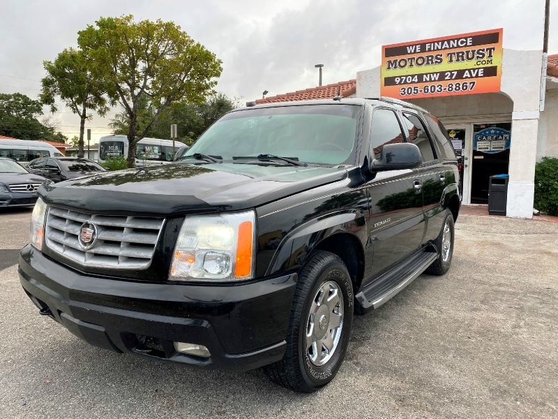 Cadillac Escalade 2004 price $4,899