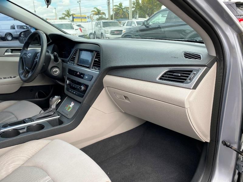Hyundai Sonata 2015 price $9,499