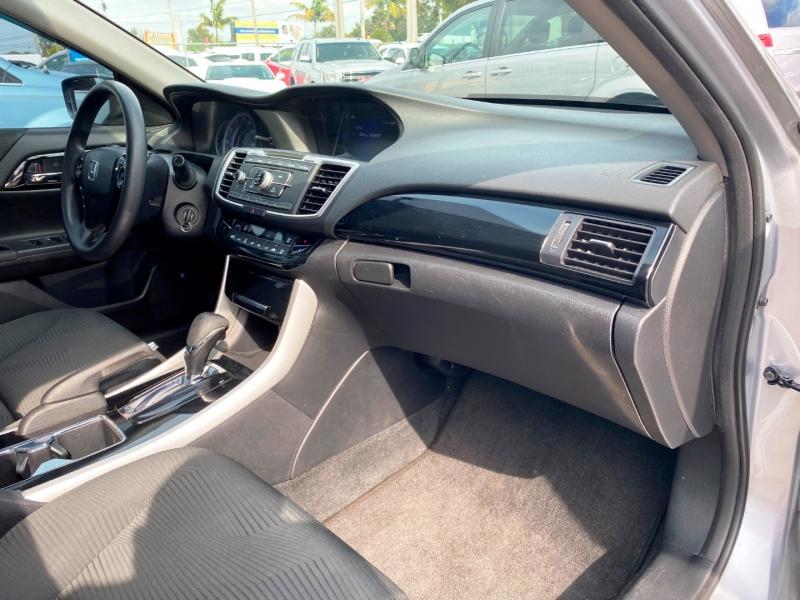 Honda Accord Sedan 2017 price $11,999