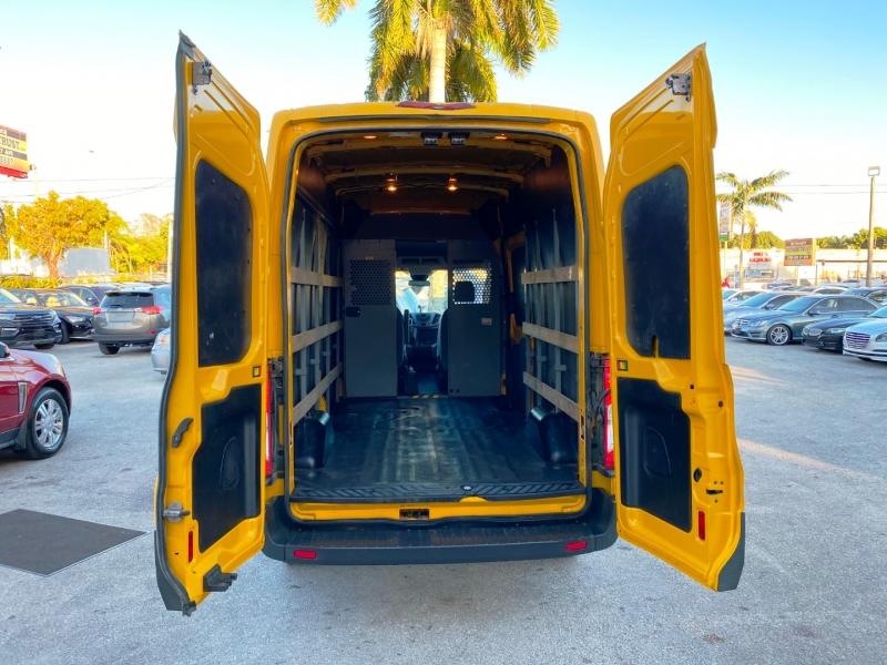 Ford Transit Cargo Van 2016 price $18,999