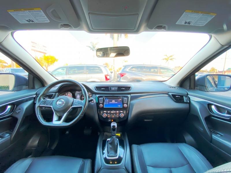 Nissan Rogue Sport 2017 price $14,299