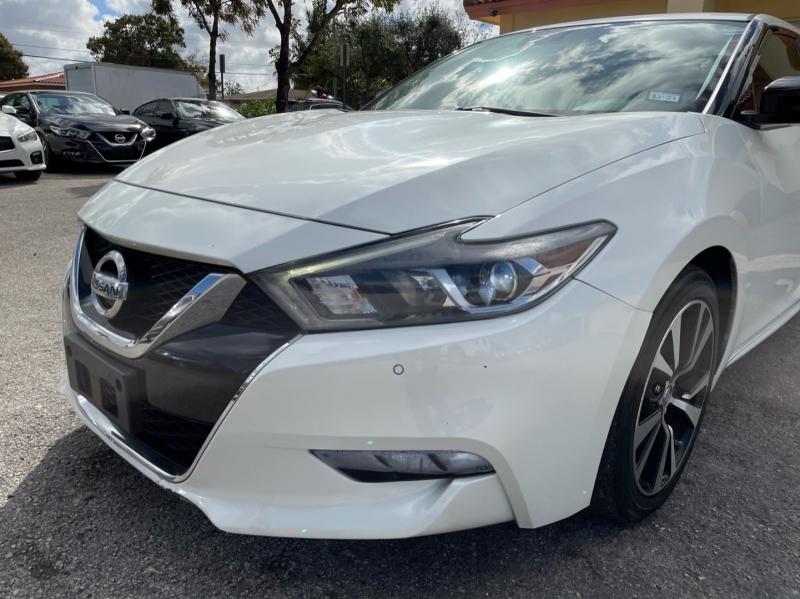 Nissan Maxima 2018 price $16,499