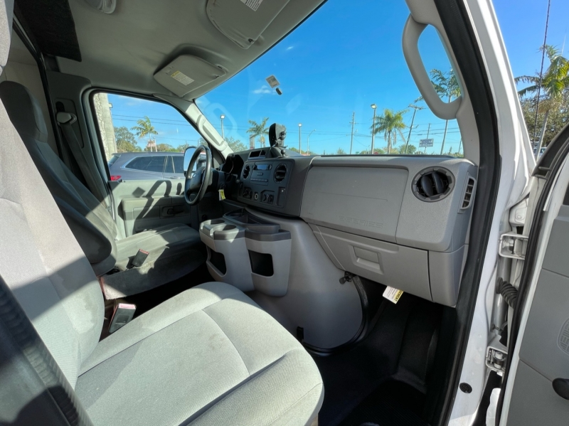Ford Econoline Commercial Cutaway 2012 price $15,999