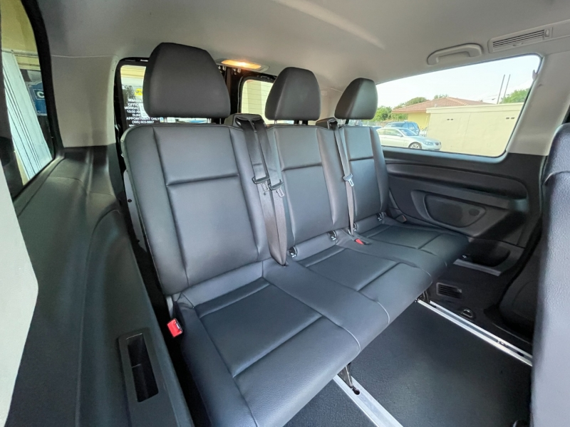 Mercedes-Benz Metris Passenger Van 2018 price $18,999
