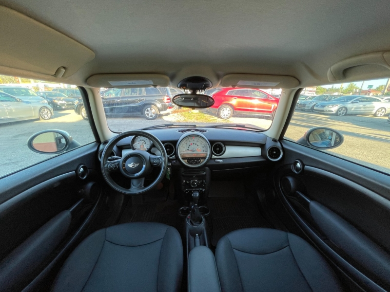 Mini Cooper Hardtop 2013 price $7,799