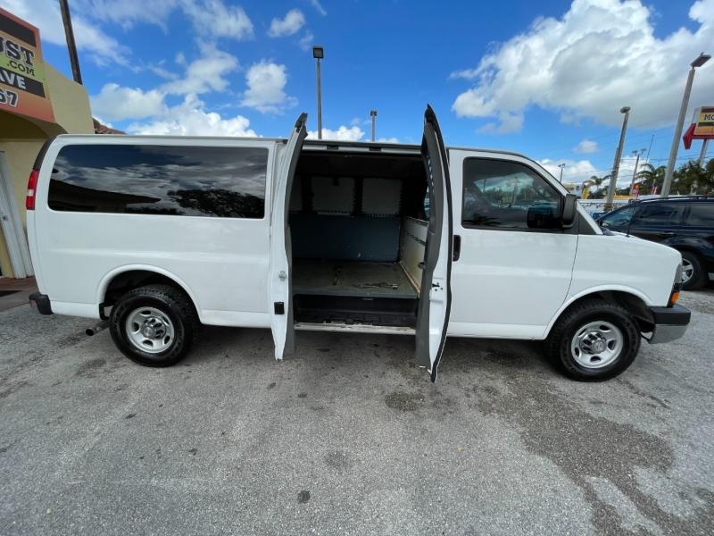 Chevrolet Express Cargo Van 2016 price $13,299
