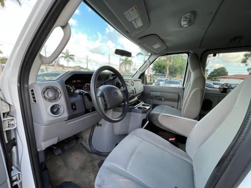 Ford Econoline Wagon 2011 price $7,999