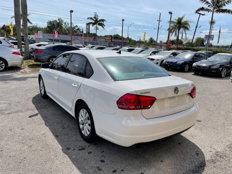 Volkswagen Passat 2015 price $7,899