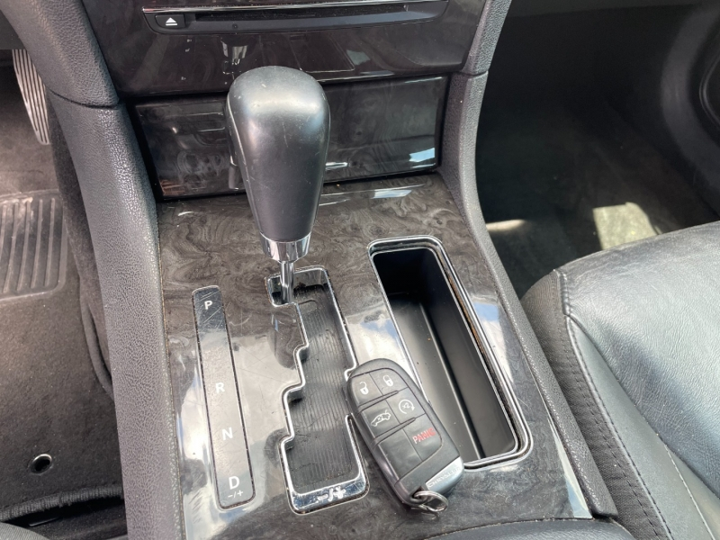 Chrysler 300 2011 price $7,999