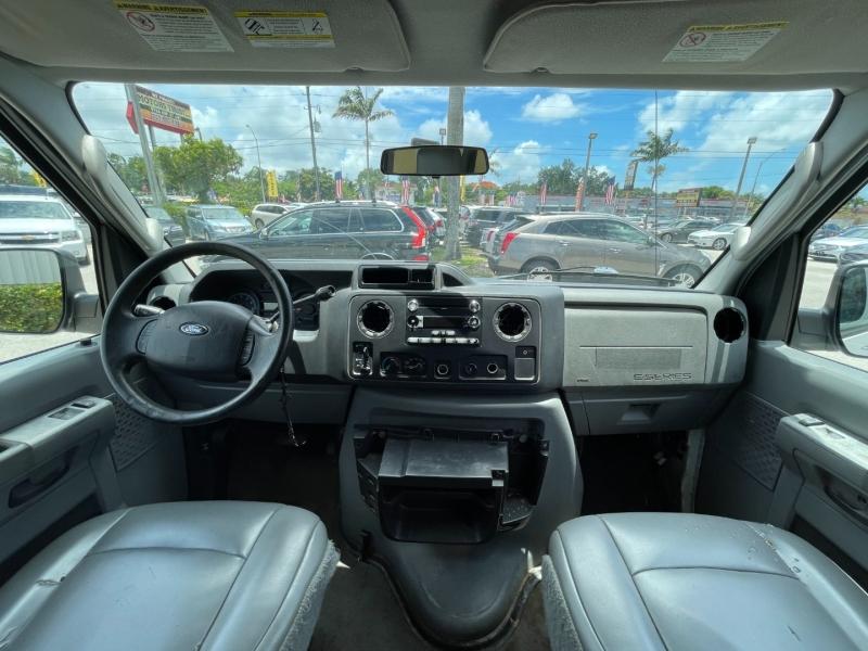 Ford Econoline Wagon 2009 price $6,999