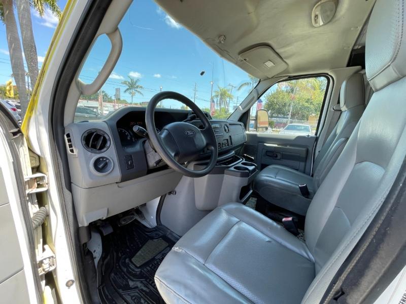 Ford Econoline Cargo Van 2009 price $6,999