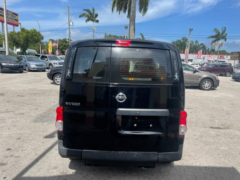 Nissan NV200 Taxi 2016 price $9,999